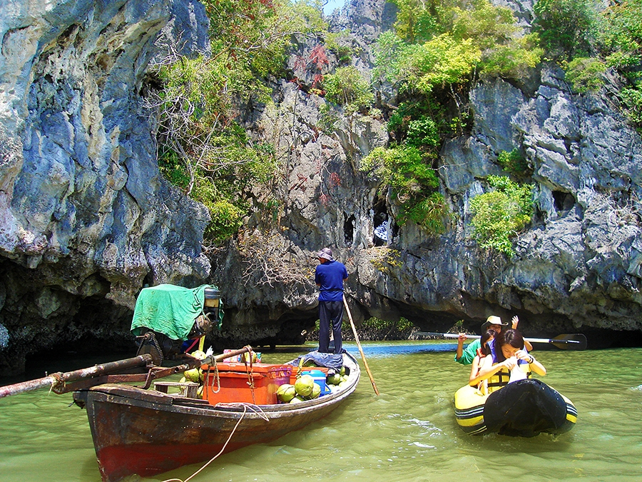 Travel with Sara Raney to Thailand (Photo taken on a National Geographic Expedition)